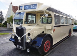 Vintage coach for weddings in Kidderminster